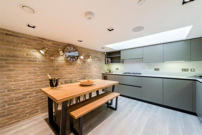 Thumbnail Terraced house to rent in Bell Street, London