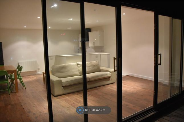 Thumbnail Flat to rent in Park Place, Leeds