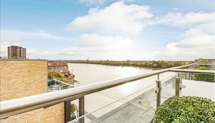 Thumbnail Triplex to rent in Palace Wharf Apartments, London