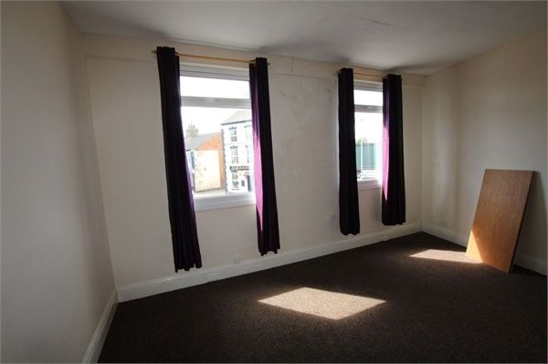Thumbnail Flat to rent in Seaside Road, Withernsea, East Riding Of Yorkshire