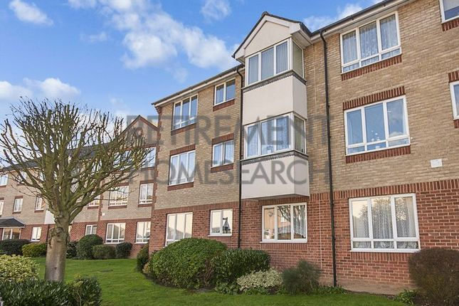 Thumbnail Flat for sale in Maldon Court, Colchester