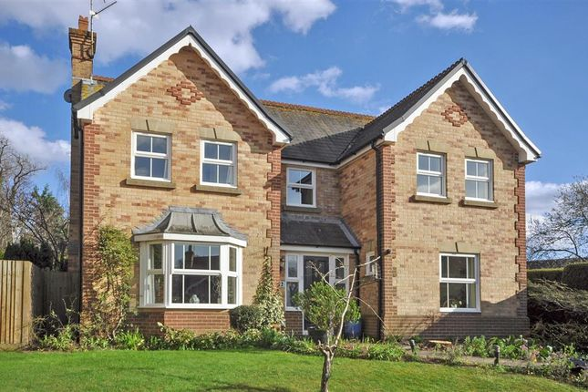Thumbnail Detached house for sale in Collingwood Road, Maidenbower, Crawley, West Sussex