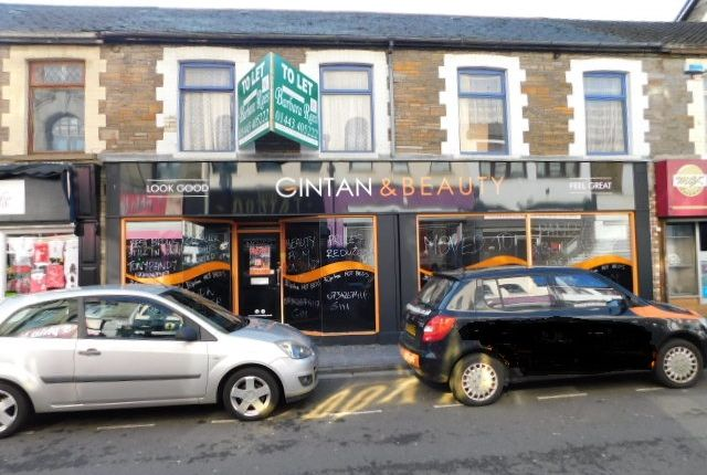 Retail premises to let in Hannah Street, Porth