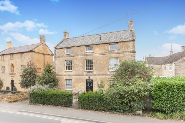 Thumbnail Flat for sale in Roseville, Moreton In Marsh, Gloucestershire