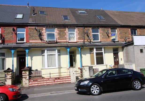 2 bed flat to rent in Broadway, Treforest, Pontypridd CF37