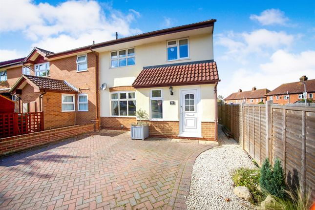 Thumbnail Property for sale in Hill Top, Tonbridge