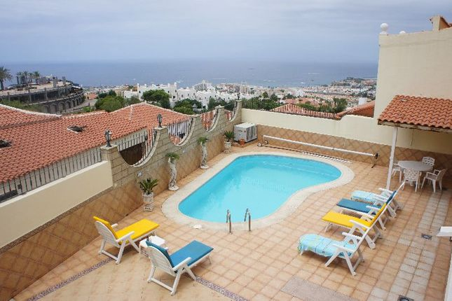 4 bed villa for sale in Santa Monica Villas, Torviscas Alto, Tenerife, Spain