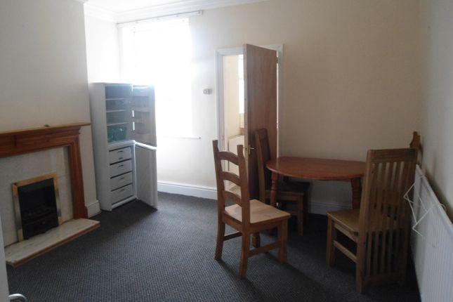 Living Room of Doncaster Rd, East Dene S62