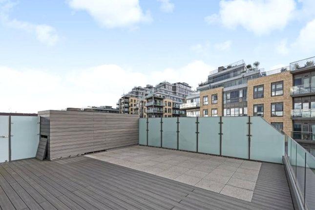 Thumbnail Flat to rent in Quartz House, Dickens Yard, Ealing