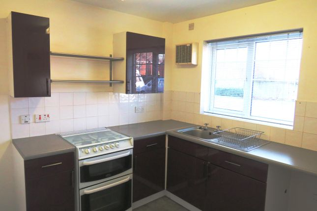 Thumbnail Town house to rent in Wyndham Wood Close, Fradley, Lichfield