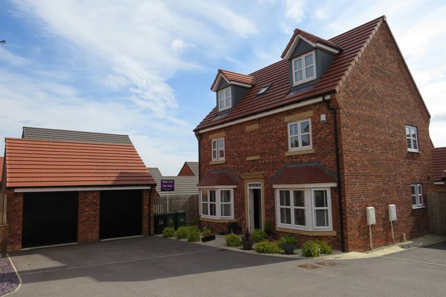 5 bed detached house for sale in Links Way, Drighlington, Bradford