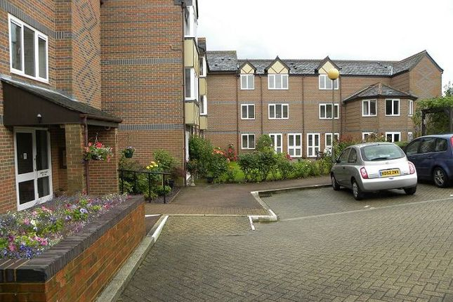 Thumbnail Property for sale in Davis Court, St Albans