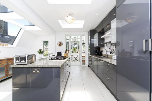 Thumbnail Terraced house to rent in Windermere Avenue, London