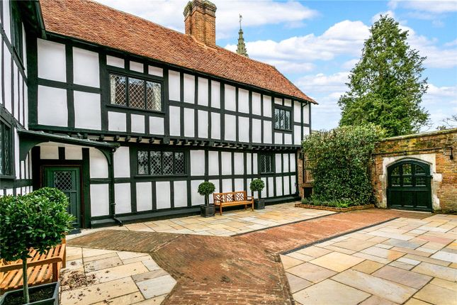 Thumbnail Property for sale in Windsor End, Beaconsfield, Buckinghamshire