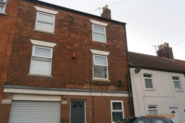 Thumbnail Flat to rent in Commercial Road, Grantham