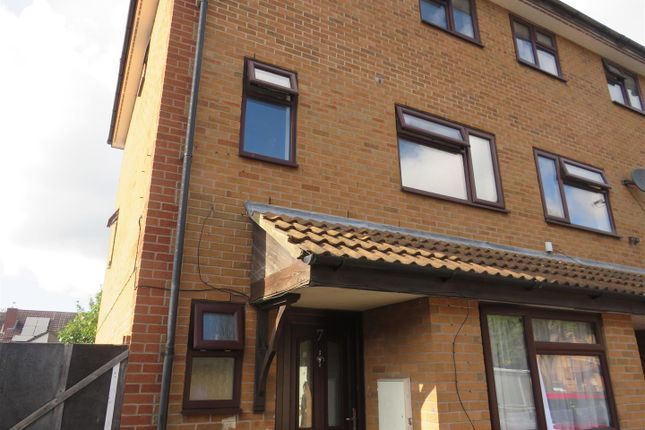 Thumbnail Property to rent in Jade Close, Coventry