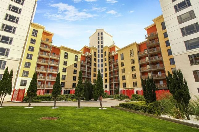Thumbnail Flat for sale in Baltic Quay, Quayside, Tyne And Wear