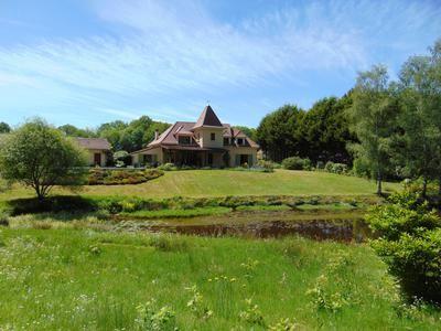 Thumbnail Property for sale in Cognac-La-Foret, Haute-Vienne, France