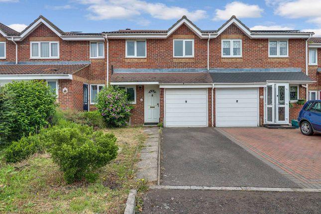 3 bed terraced house for sale in Chestnut Road Vange, Basildon SS16