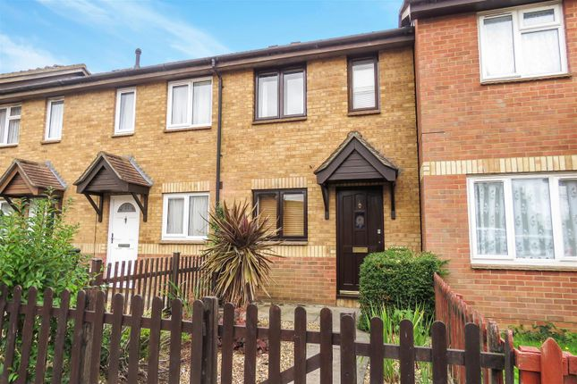 Thumbnail Terraced house to rent in Tennyson Avenue, Biggleswade