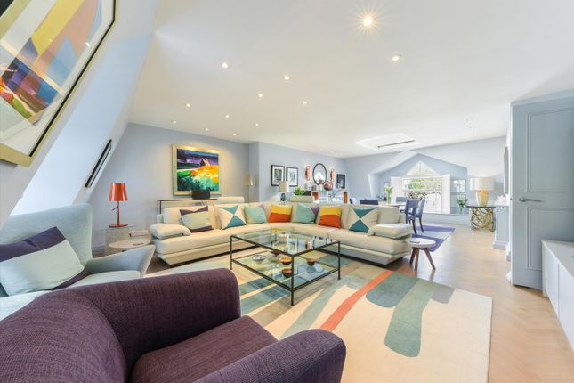 Thumbnail Flat for sale in Spencer Place, London N1.