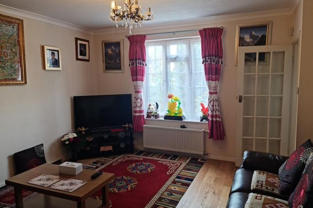 Thumbnail Detached house to rent in Woking, Walton Road