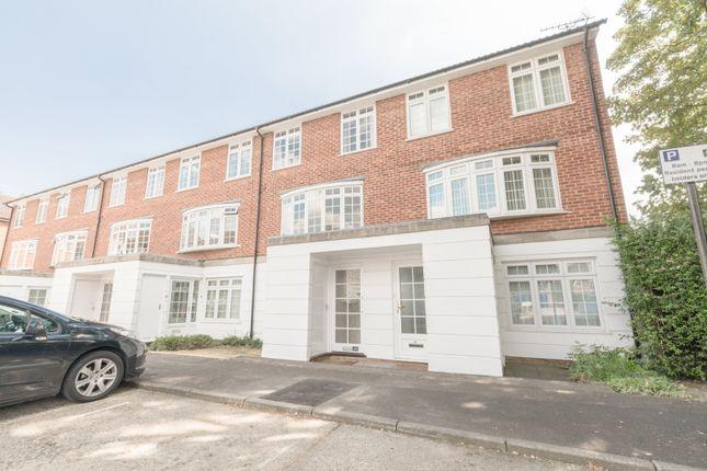 Thumbnail Maisonette to rent in Lammas Court, Windsor