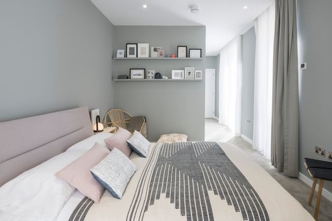 Thumbnail Town house for sale in 6 Signal Townhouses, Greenwich