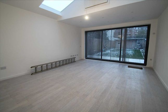 Thumbnail End terrace house to rent in Chalgrove Avenue, Morden