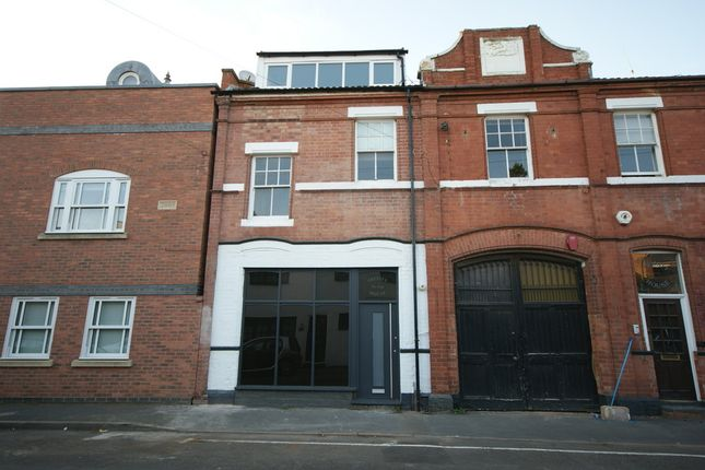 Thumbnail Town house to rent in Trinity Street, Leamington Spa