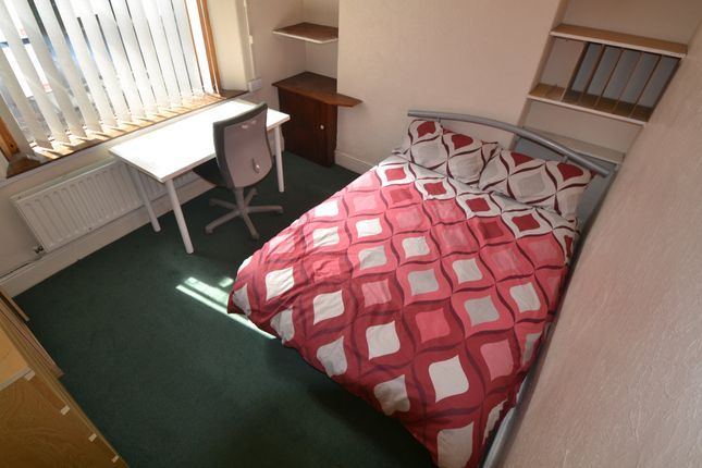 Thumbnail Property to rent in Lawn Terrace, Treforest, Pontypridd