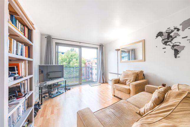Thumbnail Flat for sale in Montana Building, Deals Gateway, London