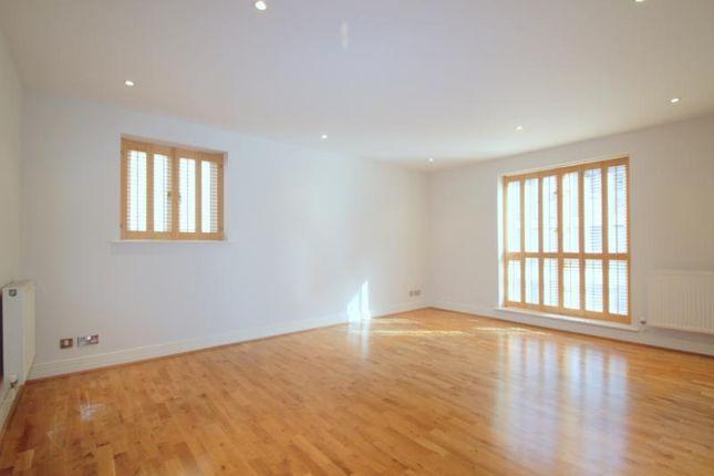 Thumbnail Flat to rent in City Walk Apartments, 29 Seward Street, Clerkenwell, London