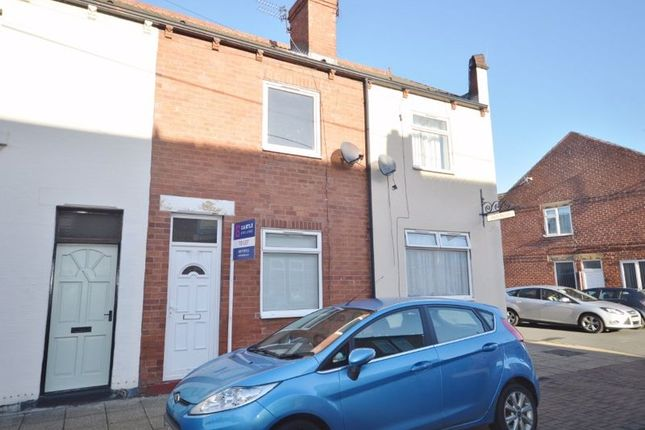 2 bed terraced house to rent in Hugh Street, Castleford WF10