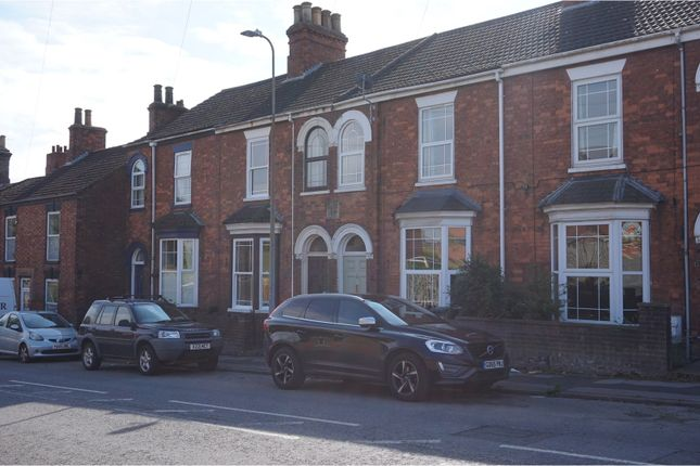 Thumbnail Terraced house for sale in Newbridge Hill, Louth