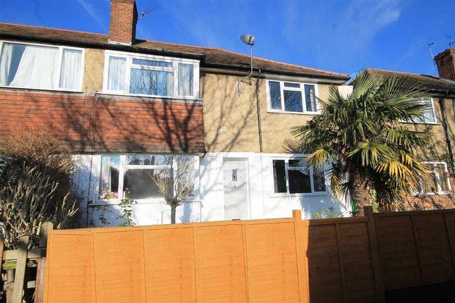 Thumbnail Flat for sale in Chertsey Road, Twickenham