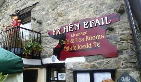 Thumbnail Restaurant/cafe for sale in 4 Green Lane, North Wales