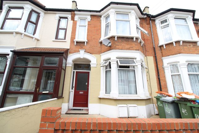 Thumbnail Flat for sale in Gladstone Avenue, London