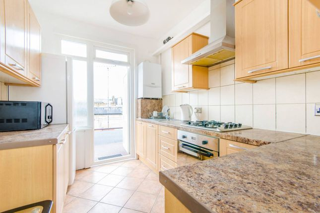 4 bed maisonette to rent in Holloway Road, Holloway