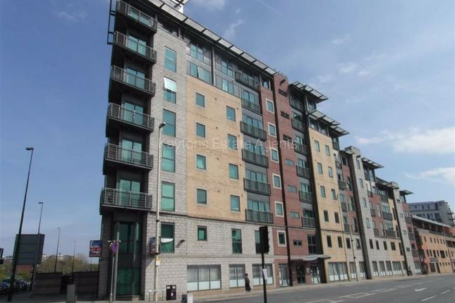 1 bed flat to rent in City Point 2, Chapel Street, Salford M3