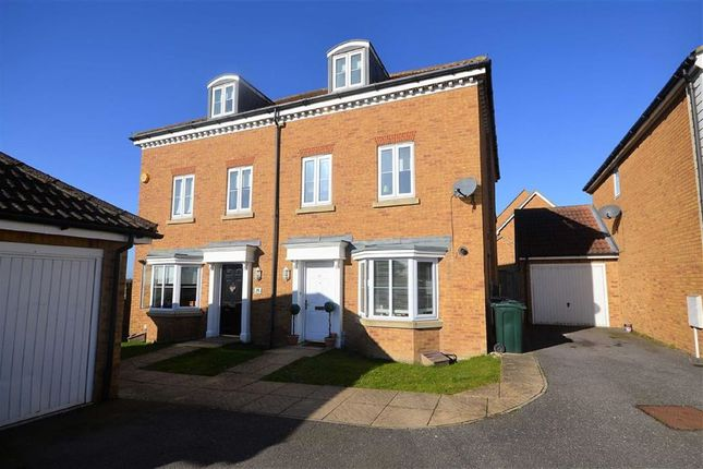 Thumbnail Town house to rent in Hedgers Way, Ashford, Kent