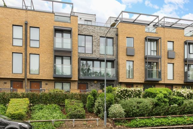 Thumbnail Town house to rent in Tizzard Grove, London