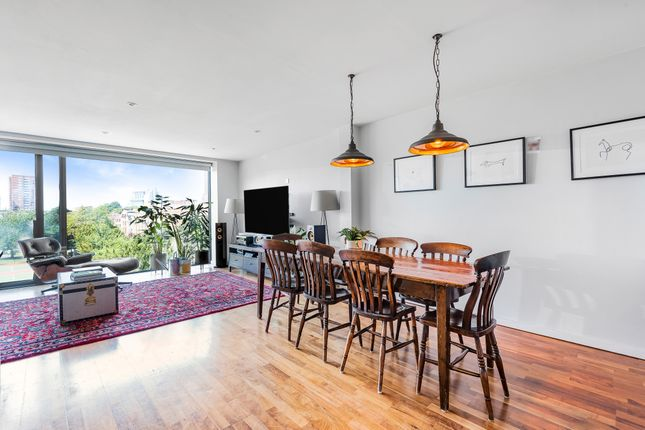 2 bed barn conversion for sale in Archie Street, London SE1