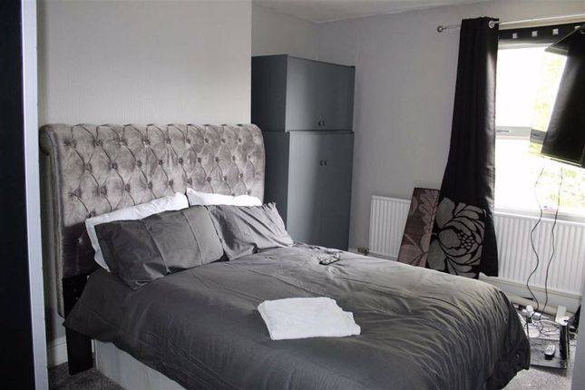 Master Bedroom of Clifton Avenue, Fallowfield, Manchester M14