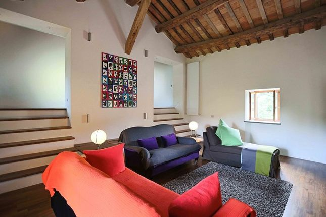Poderetto Gubbio Sitting Room 3