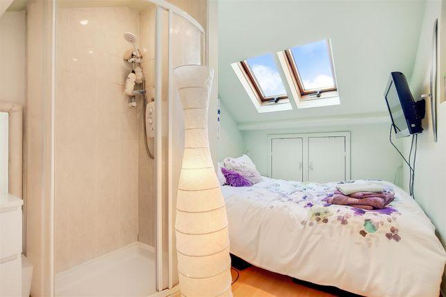 9_Master Bedroom-0