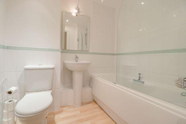 Bathroom 1 of Winterthur Way, Basingstoke RG21