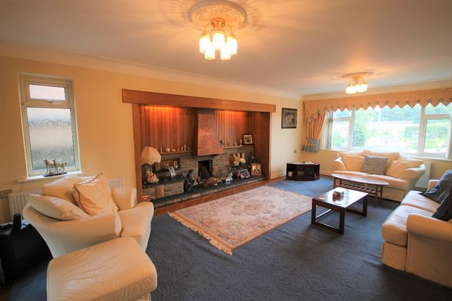 Living Room of Ormskirk Road, Knowsley, Prescot L34