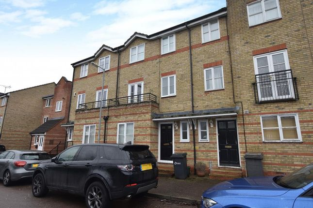 Thumbnail Town house to rent in Rookes Crescent, Chelmsford, Essex