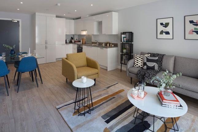 Thumbnail Flat to rent in Clippers Quay, Waterman Walk, Salford